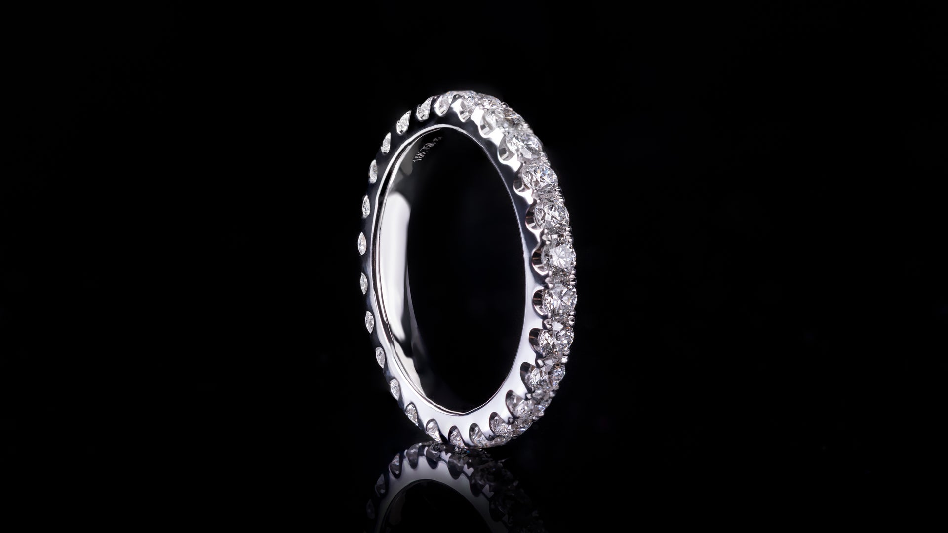 18k White Gold Ladies Eternity Diamond Band Ring