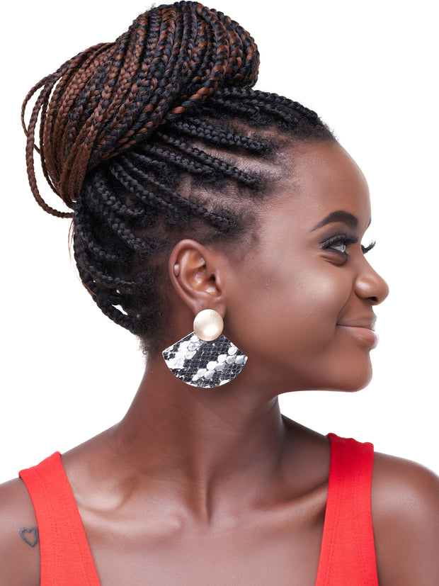 Ithaga Apparel Fan Earrings - Black / White Print