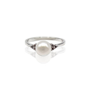 Fresh Water Pearl with Trefoil Round CZ Sterling Silver Ring
