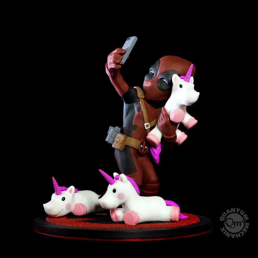 Marvel Diorama Q-Fig Deadpool Unicornio Selfie