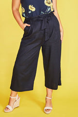 Shelby Navy Cropped Pants
