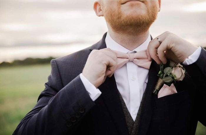 Can you wear a bow tie to a wedding?