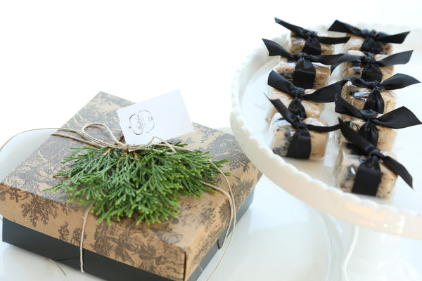 Cookies and Cream Satin Fudge Gift