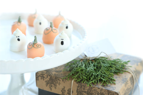 Pumpkins and Ghosts Cordial Cherries Gift