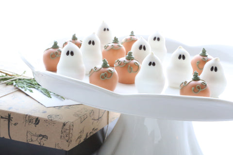 Cordial Cherries ~ 16-Piece Gift ~ Pumpkins and Ghosts
