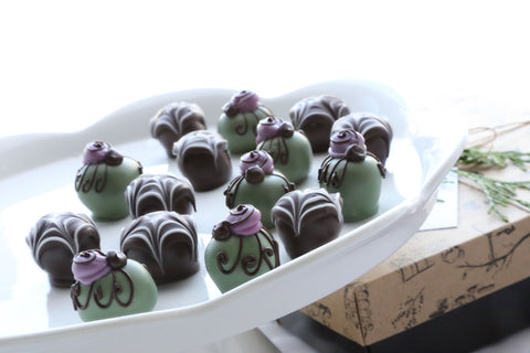 Chocolate Truffles ~ 16-Piece Gift ~ Spiders and Webs