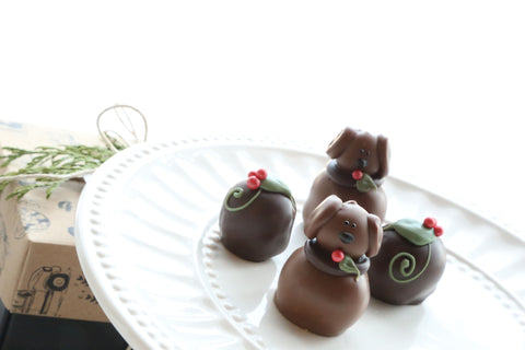 Cordial Cherries ~ 4-Piece Gift ~ Christmas Puppies