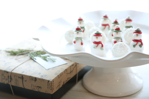 Cordial Cherries ~ 16-Piece Gift ~ Snowmen and Snowballs