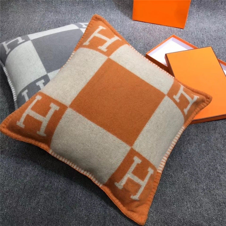Luxury H letter Pillow Cover