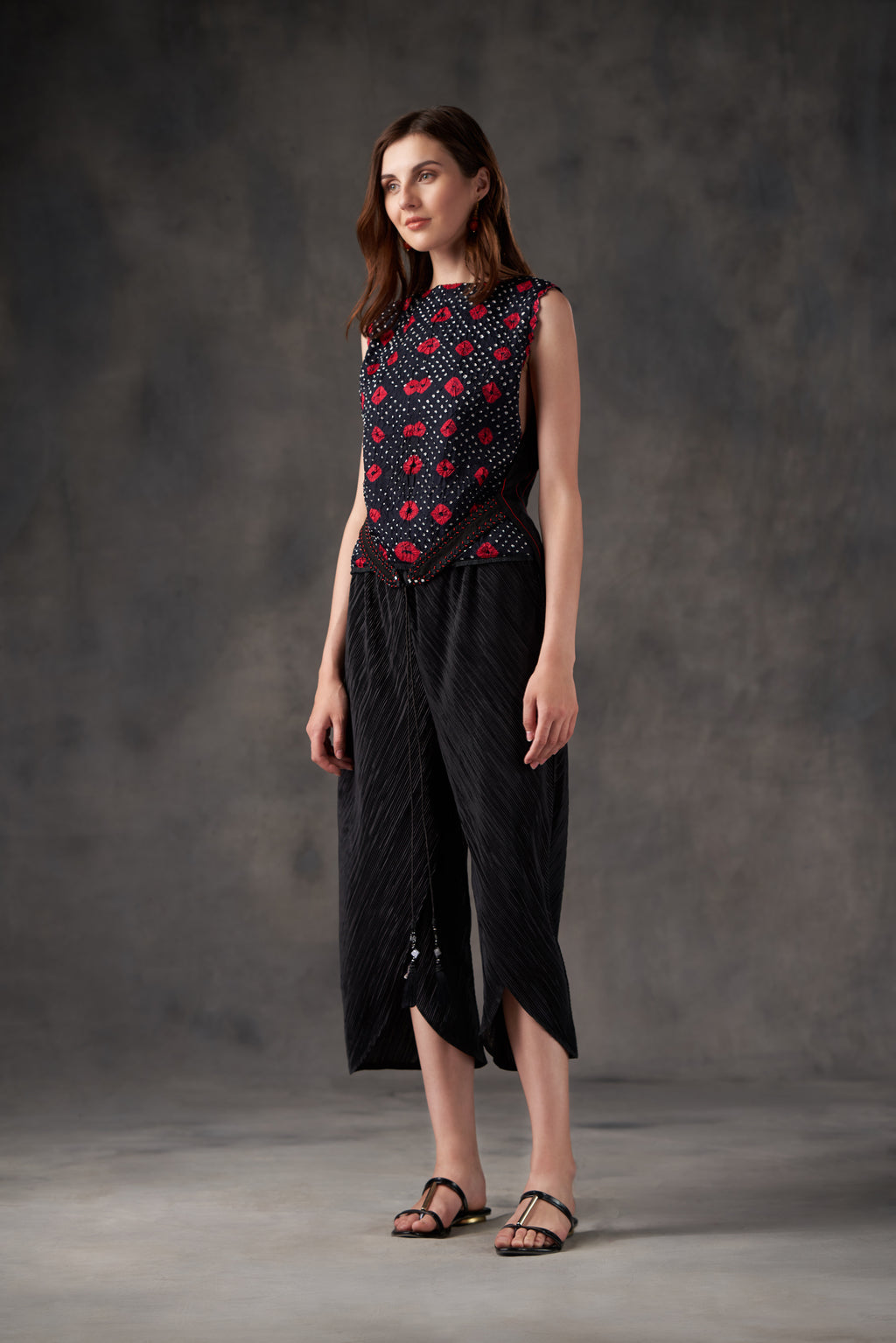 Crushed Bandhani layered Top with embellished belt