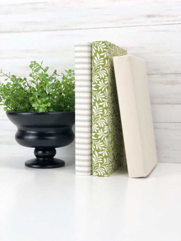 Green Shelf Decor