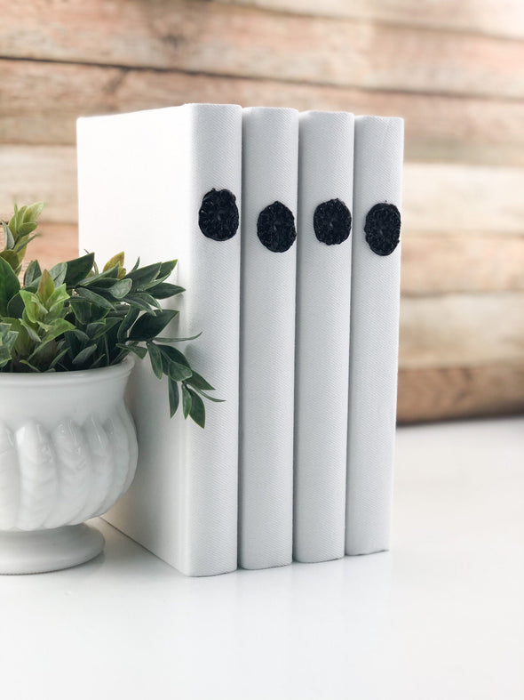 Black and White Book Set