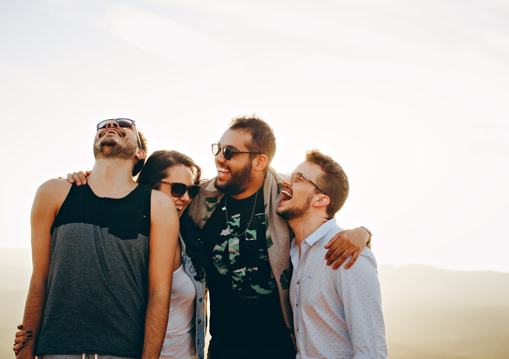 group_of_friends_laughing
