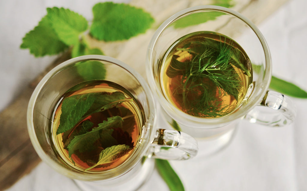 Green tea drink with leaves