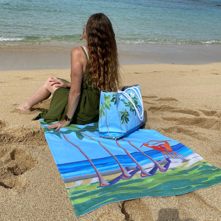 Beach Towel: Waikiki Beach - Kaimana Beach Tower