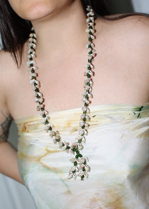 VINTAGE TINY SEASHELLS & GREEN BEADS NECKLACE