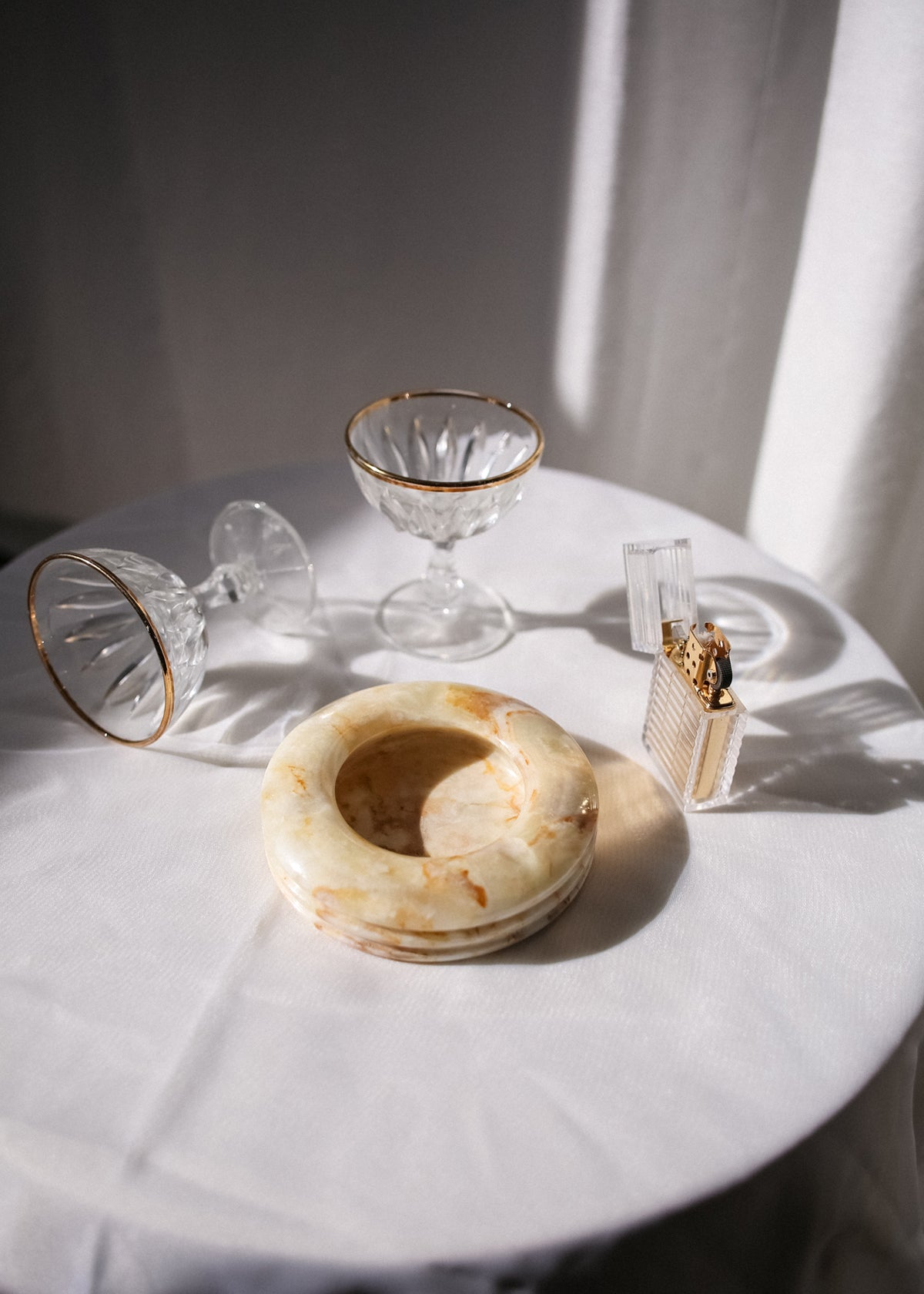 VINTAGE WHITE MARBLE ASHTRAY