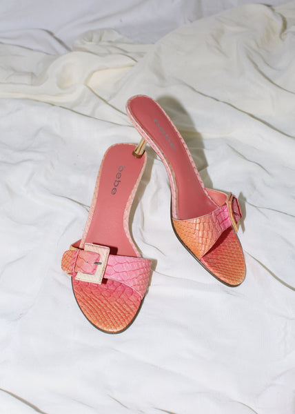 VINTAGE BEBE PINK & ORANGE OMBRE FAUX SNAKESKIN BUCKLE SLIDES (7)