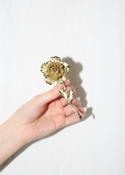 VINTAGE GOLD TONE METAL FLOWER BROOCH