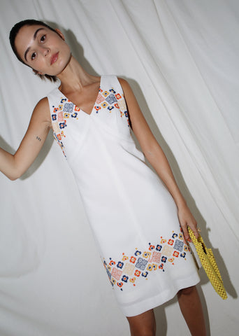 VINTAGE WHITE FLOWER EMBROIDERED SUMMER DRESS (S)