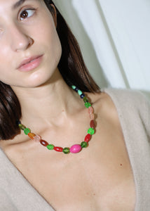 VINTAGE COLORFUL PLASTIC BEADED NECKLACE