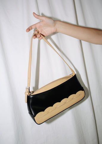 VINTAGE BLACK & TAN LEATHER SHOULDER BAG