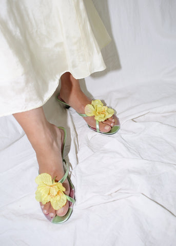 VINTAGE YELLOW FLOWER APPLIQUE METALLIC GREEN SANDALS (9)