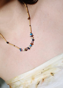 VINTAGE WOODEN BEADS & STONES NECKLACE