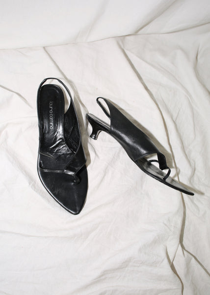 VINTAGE BLACK LEATHER SLINGBACK THONGS (40)
