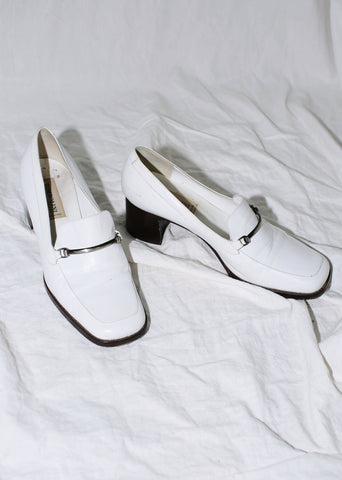 VINTAGE WHITE LEATHER LOAFERS WITH METAL BUCKLE (37)