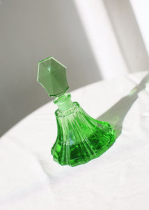 VINTAGE SMALL GREEN GLASS PERFUME BOTTLE