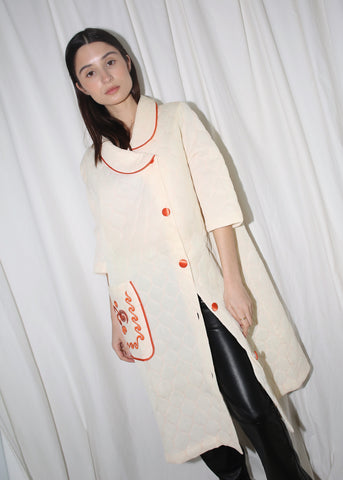 VINTAGE WHITE QUILTED HOUSE COAT WITH ORANGE DETAILS (S)