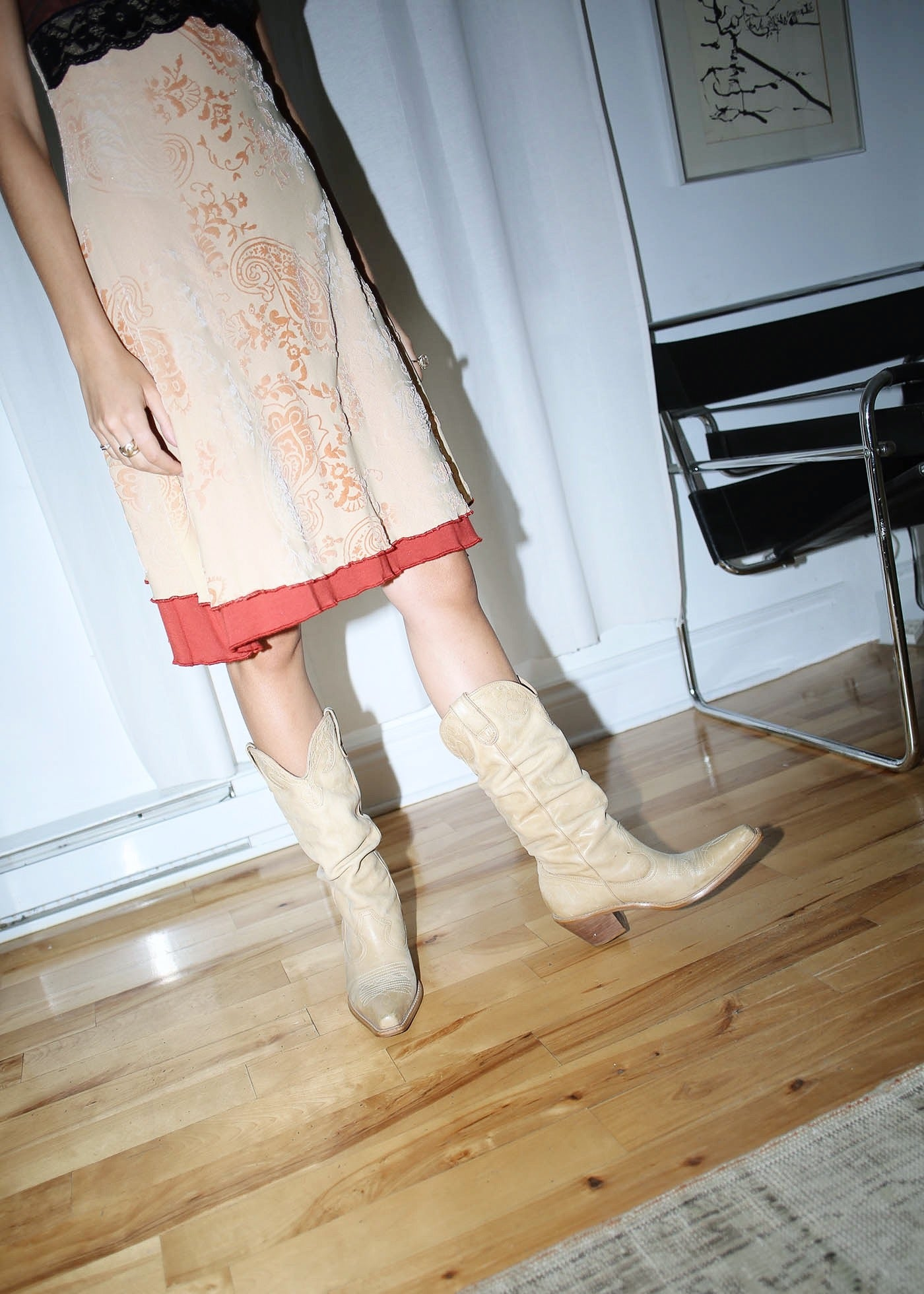 VINTAGE BEIGE LEATHER COWBOY BOOTS (37)