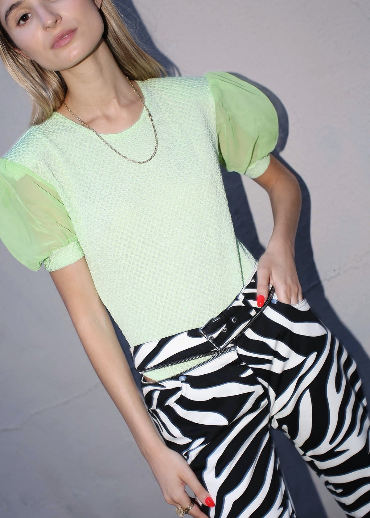 VINTAGE LIME GREEN PUFF SLEEVE BODYSUIT (M)