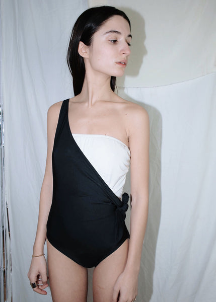 VINTAGE BLACK & WHITE ONE SHOULDER SWIMSUIT (S)