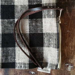 Fog Linen Pouch (Black & Natural Check)