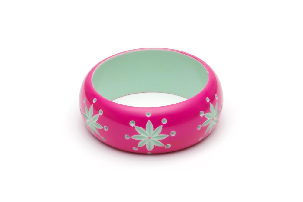 Wide Flamingo Carve Regular Bangle