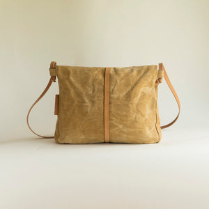 Mindemoya satchel (multiple colours)