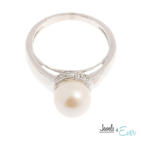 10KT White Gold Ring set with Cultured Pearl and Diamond