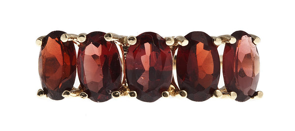 10KT Gold Ring set with 6x4 mm Genuine Garnet