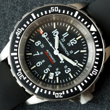 Load image into Gallery viewer, 2005 MARATHON US MILITARY GSAR (Search & Rescue Diver's) AUTOMATIC DIVE WATCH
