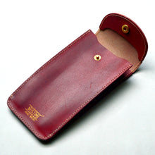 Load image into Gallery viewer, ENGLAND BRIDLE LEATHER SINGLE WATCH POUCH - ROYAL RED
