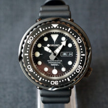 "Load image into Gallery viewer, 2015 SEIKO MARINEMASTER ""DARTH TUNA"" 1000M SBBN013 / 7C46-0AA0 DIVERS WATCH"