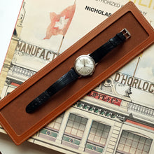 Load image into Gallery viewer, GOLD TAN LEATHER SINGLE WATCH TRAY