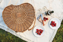Load image into Gallery viewer, Heart Picnic Basket
