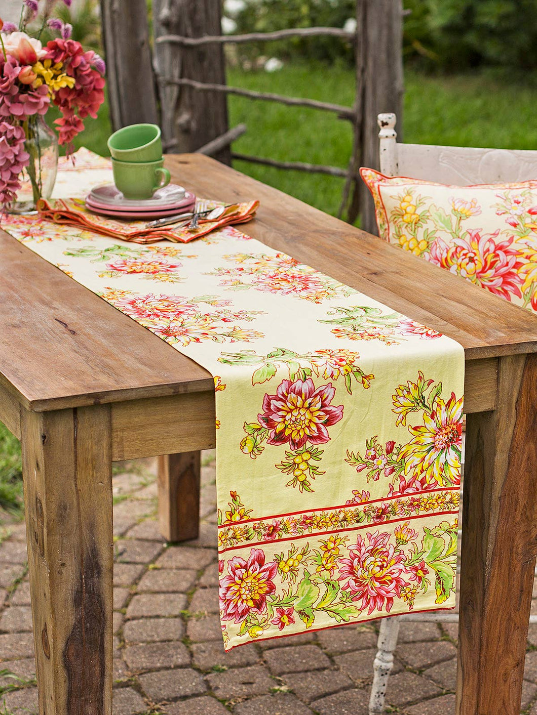 Dahlia Days Table Runner-Yellow