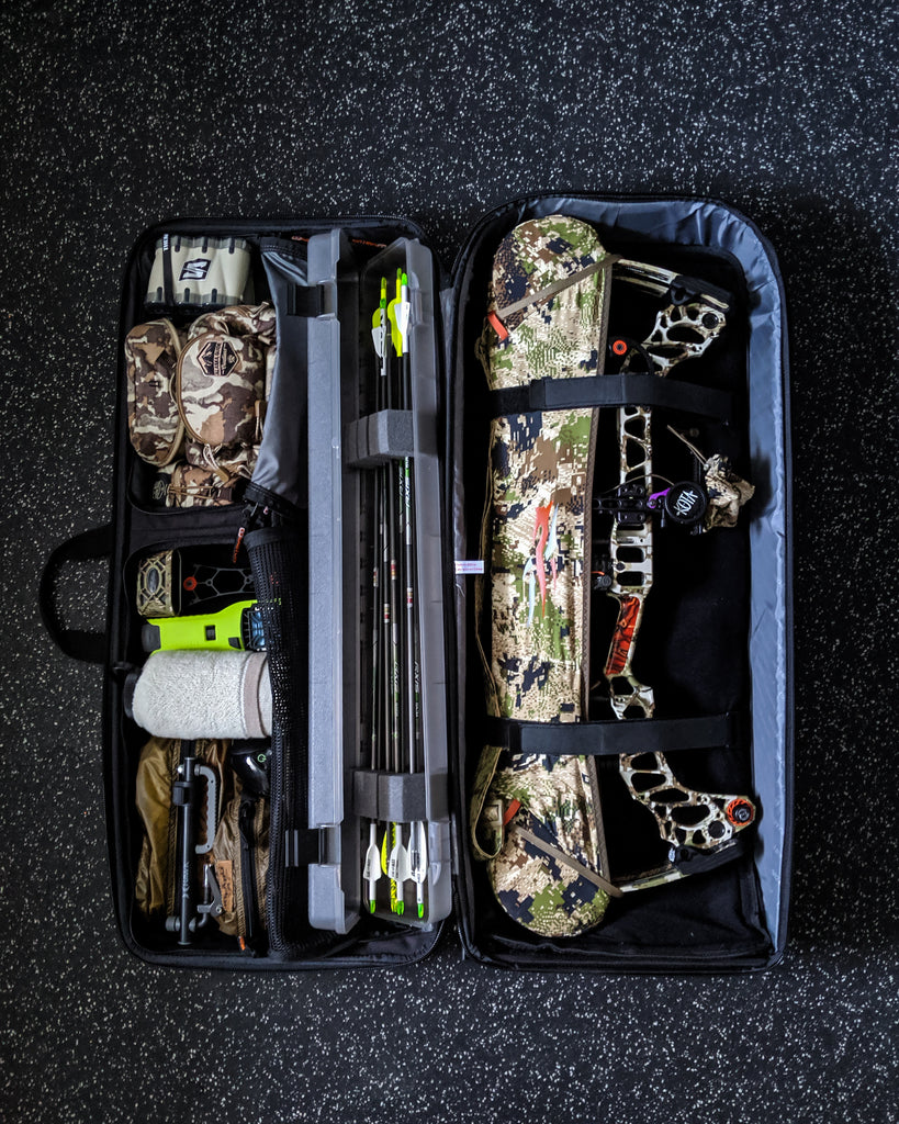 Easton Deluxe Compound/Recurve Roller Bow Case Review
