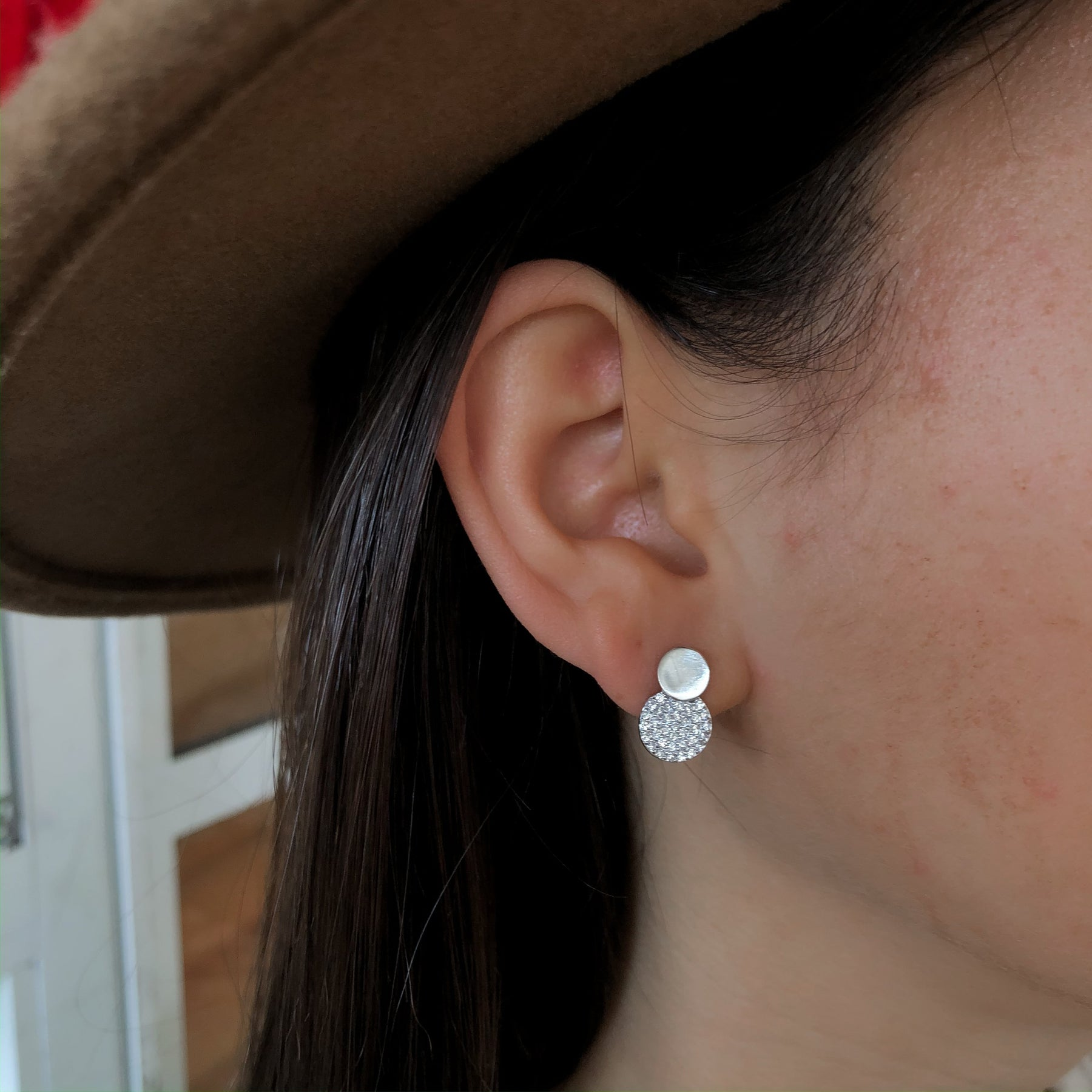 Tight Earrings with Double Embedded Circle Sterling silver 925