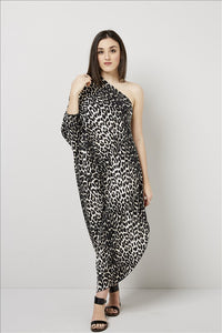 Love Kiki (Cleo) - Jersey loose fit Leopard print dress with single sleeve. Front View 2
