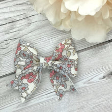 Load image into Gallery viewer, Liberty of London Chiltern Hill Cutie Pie Bow